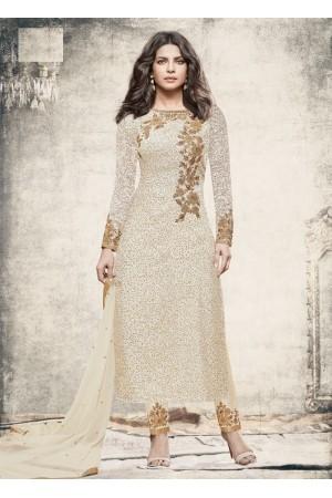 Priyanka chopra White color straight cut salwar kameez
