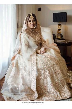Bollywood model white velvet bridal lehenga