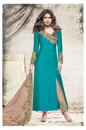 Priyanka chopra green color slit open suit 5197