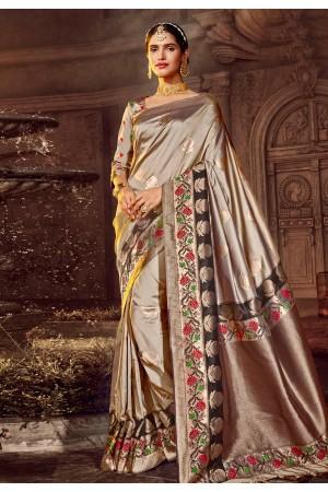 Golden banarasi silk saree with blouse 96672