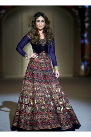 Kareena Kapoor royal blue color velvet bollywood lehenga