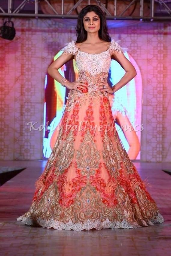 Bollywood Style Shilpa Shetty Net Anarkali in Peach Color