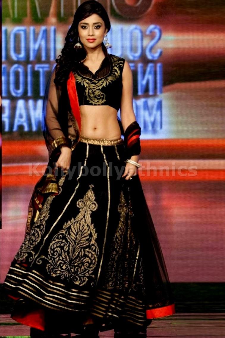 Bollywood Style Shreya saran net and velvet lehenga in black color