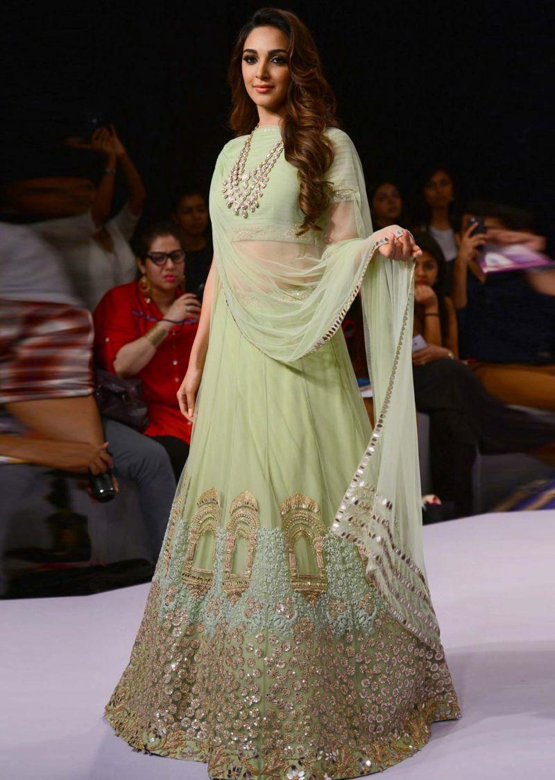 Bollywood Style Lehenga Ridhi Mehra | mint green reception lehenga | Lakme Fashion Week Summer Resor