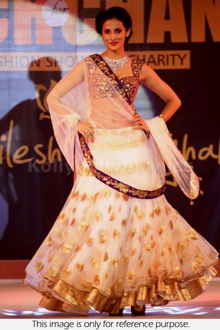 Bollywood Style shilpa reddy designer net lehenga in off white color