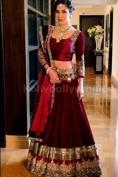 Bollywood Style Sophie Choudry ure Bhagulpuri silk lehenga in wine red color