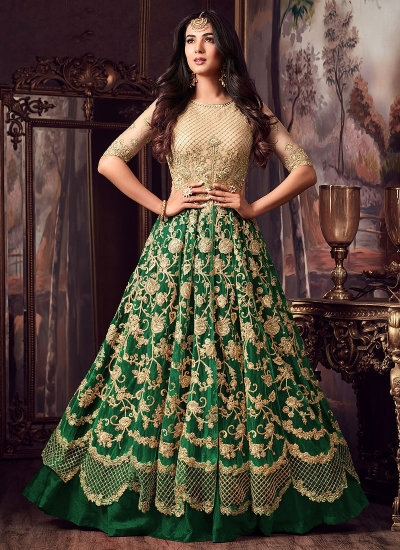 Sonal Chauhan Cream and green net wedding anarkali