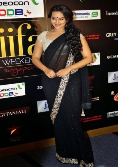 sonakshi sinha black saree