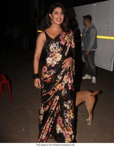 Bollywood Sabyasachi Priyanka chopra black georgette crepe saree