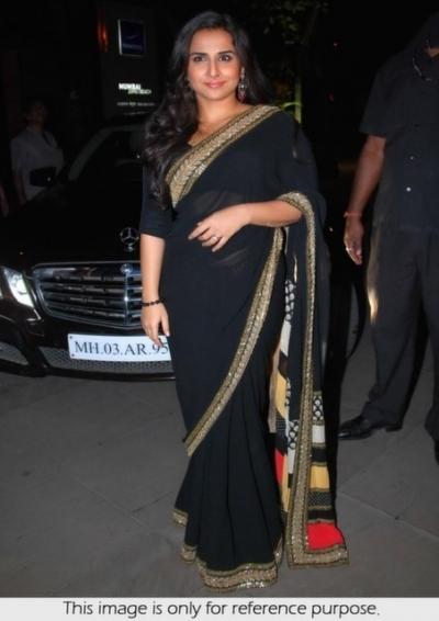 Vidya Balan Chataka Pataka black saree