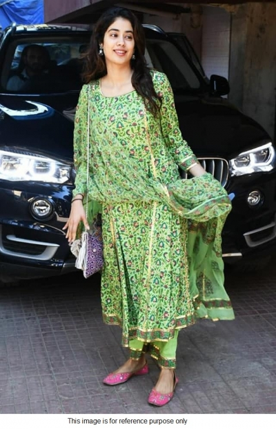 Bollywood Janhvi kapoor inspired Green Kurti set