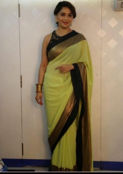 Madhuri Dixit jalak dikla jaa saree