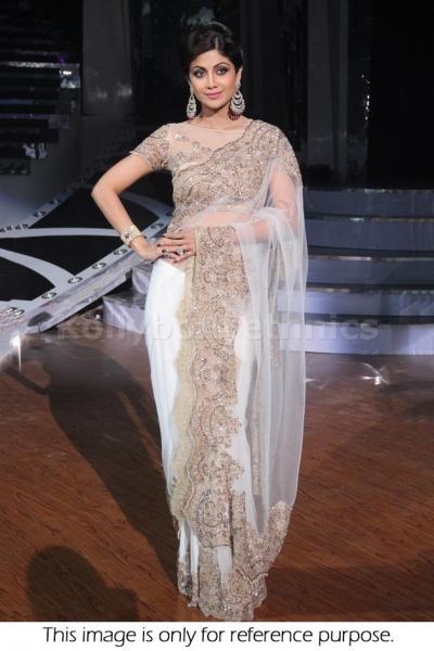 Shilpa Shetty white bollywood designer saree