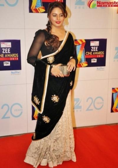 Huma Qureshi Black Saree