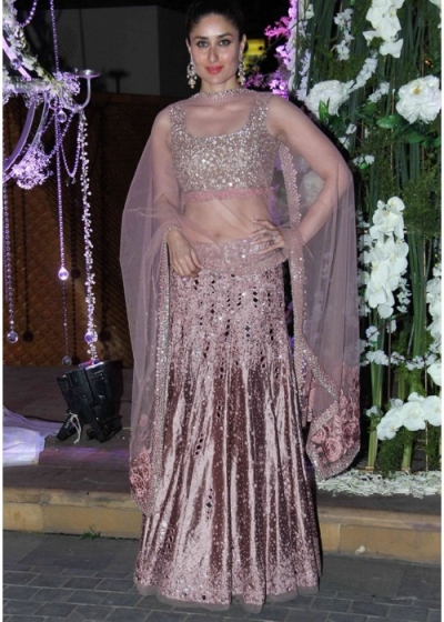 Kareena kapoor onion pink color lehenga choli