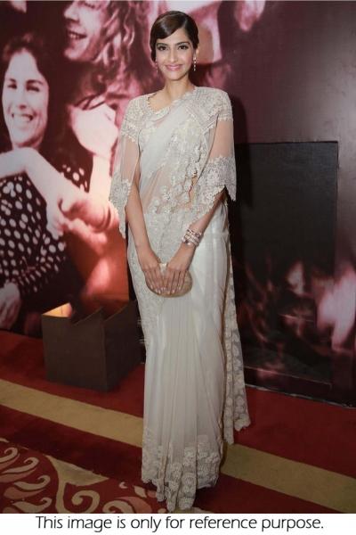 Sonam Kapoor Net saree in White colour