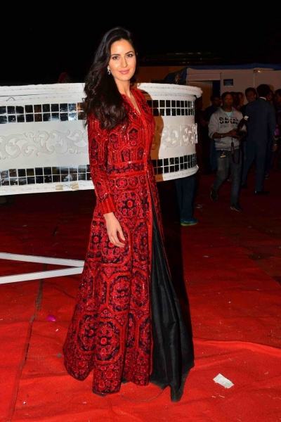 Bollywood style Katrina kaif red and black color banglori silk gown