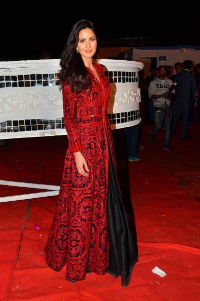 Bollywood style Katrina kaif red and black color banglori silk gown