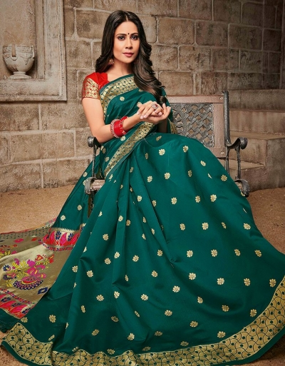 Mayil Floral Motif Tender Green Saree