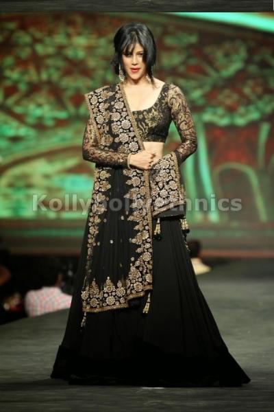 Wardha Nadiadwala Black Bollywood Lehenga