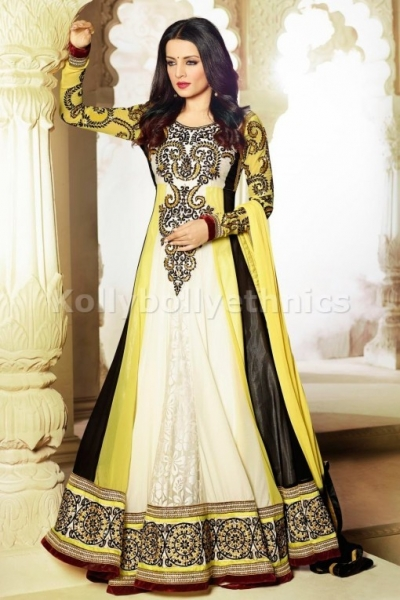 Celina Jaitley Yellow and black shaded wedding outfit